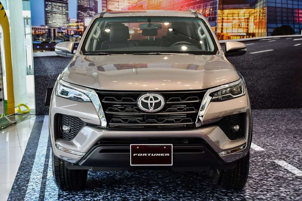 toyota-fortuner-4 (Copy).jpg